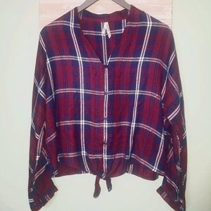 Girl Krazy Cranberry Tie Front Button Crop Top LG